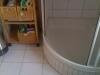 2-vorherkleine-dusche-hoher-einstieg-schwer-zu-reinigende-schiebetur-silikon-fliesenfugen